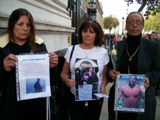 Custody death families march again: 2009